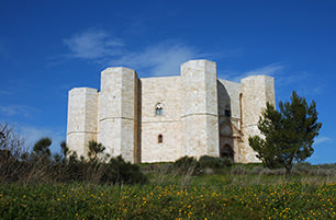 Castel del Monte| B&B Giovinazzo | the flower of hospitality